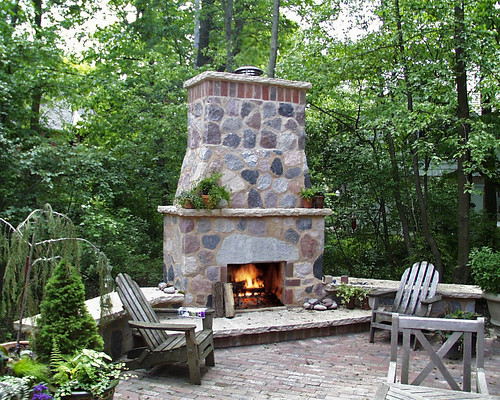 How to build an outdoor fireplace for How to build a small outdoor fireplace