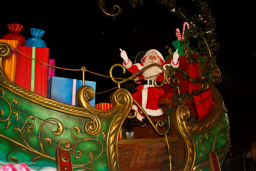 DLP Dec 2011 - Disney's Once Upon a Dream Parade: Dreams of Christmas