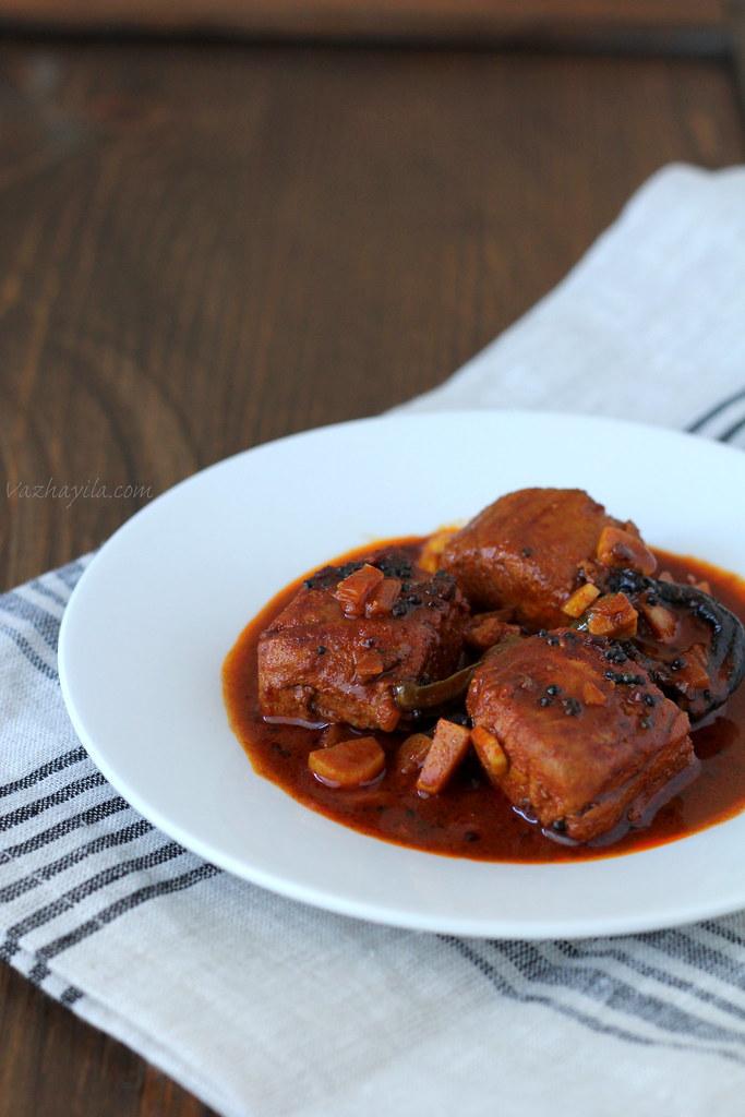 Kuttanadan Meen curry Vazhayila -2