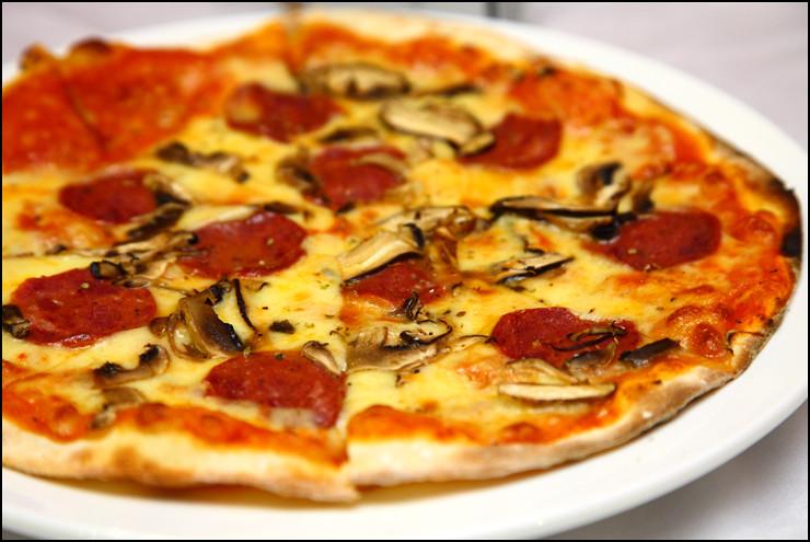 Verona Trattoria beef-sausage-mushroom-pizza