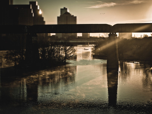 bridge light sun mist birds sunrise austin landscape fisherman downtown texas ducks olympus townlake rays smokeonwater ladybirdlake epl1 ourdailychallenge odc3