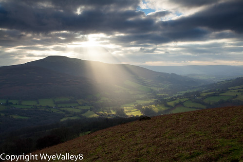 Heavenly rays over Sugar Loaf Mountain