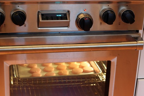 macarons in the oven