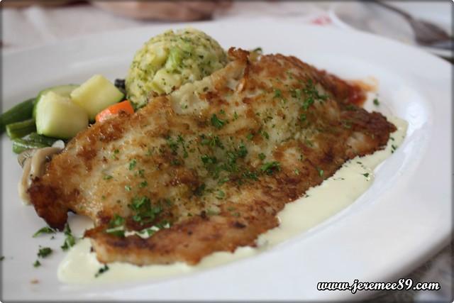 Salsas Restaurant @ Continental Hotel, Upper Penang Road - Grilled Dory Fish