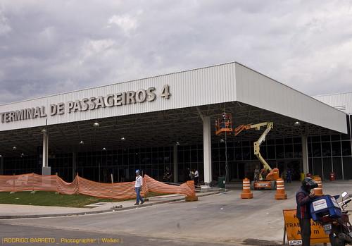 Terminal 4 do Aeroporto Internacional de São Paulo - acertos finais by barretorodrigo
