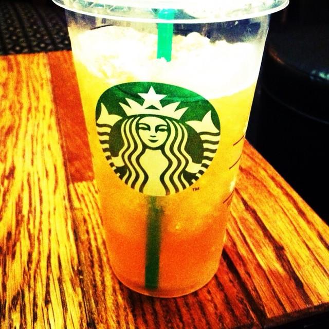 Starbucks Iced Lemon Pund Cake