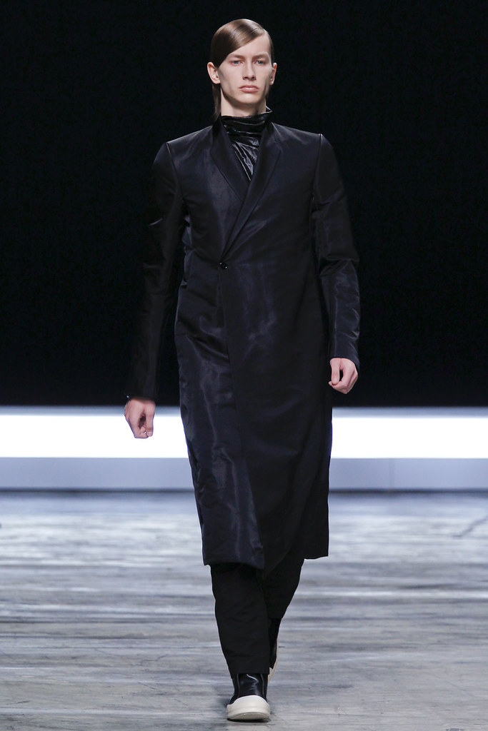 FW12 Paris Rick Owens014(VOGUE)