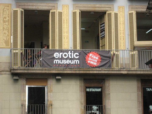 Free drink and Wifi at the erotic museum!