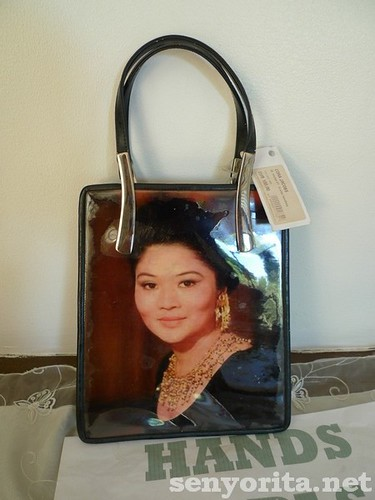 I'm no Imeldific, but I want this bag as a souvenir! teehee