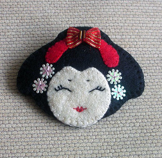Japanese Geisha Felt Brooch Pin