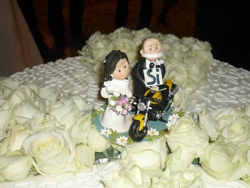 Particolare della torta nuziale e del topper personalizzato MaryMade