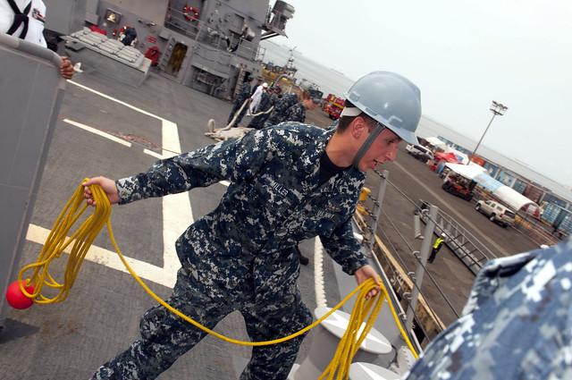 USS Wayne E. Meyer Visits Manila