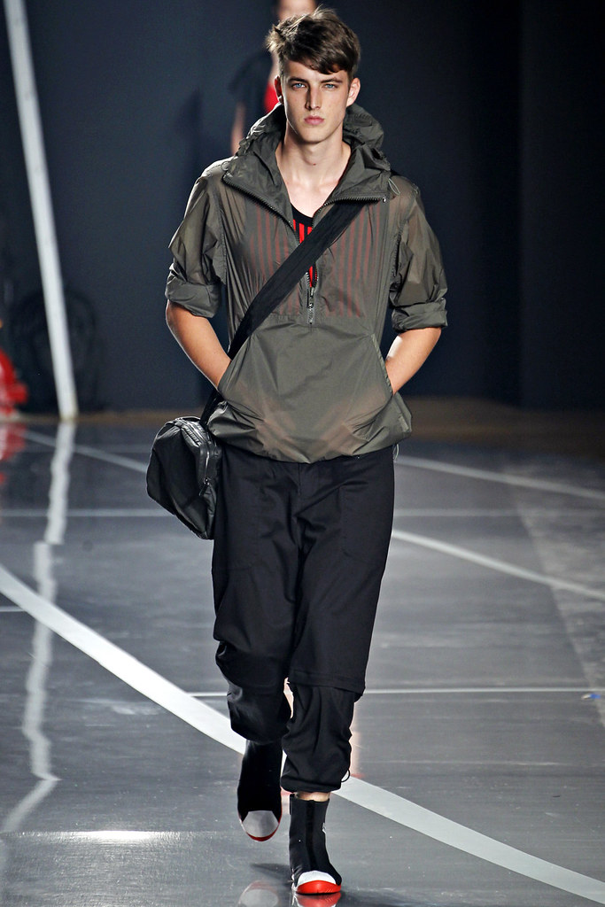 James Smith3515_SS12 New York Y-3(VOGUE)