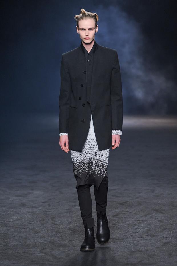 Bart Grein3075_FW12 Paris Ann Demeulemeester(fashionising.com)