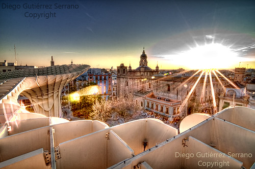 city light sunset cidade sun sunlight luz sol church architecture sunrise canon contraluz atardecer soleil amazing arquitectura ray iglesia ciudad seville andalucia igreja parasol construccion andalusia ocaso hdr metropol sunray rayos rayosdesol increible jürgenmayer metropolparasol tokina1116