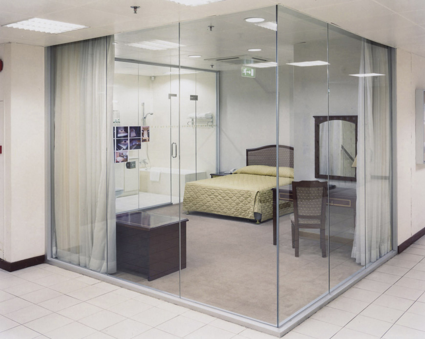 lampton_adam_mock_hotel_room