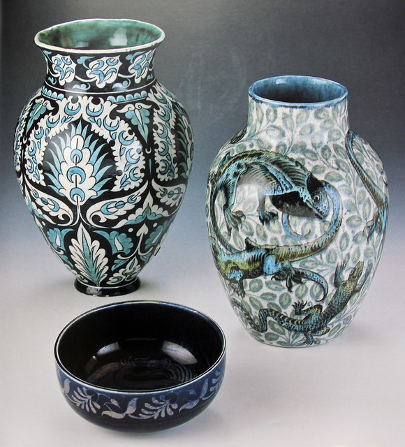 William De Morgan - vases