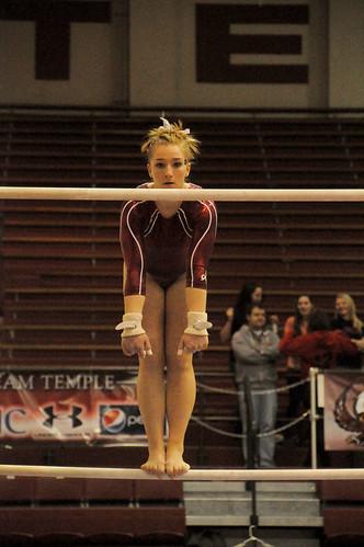 1gymnastics_2.7_sports_AbiReimold_01