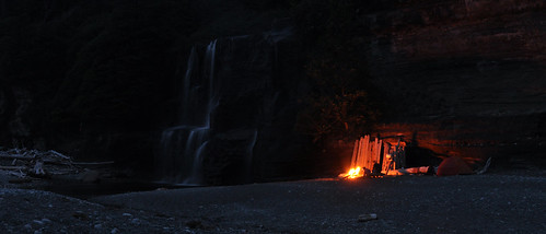 Tsusiat Falls camp. West Coast Trail, Vancouver Island, BC, Canada - Flickr: Paxson Woelber