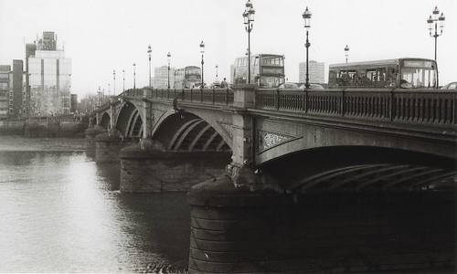 Battersea Bridge by LeicaPrayer