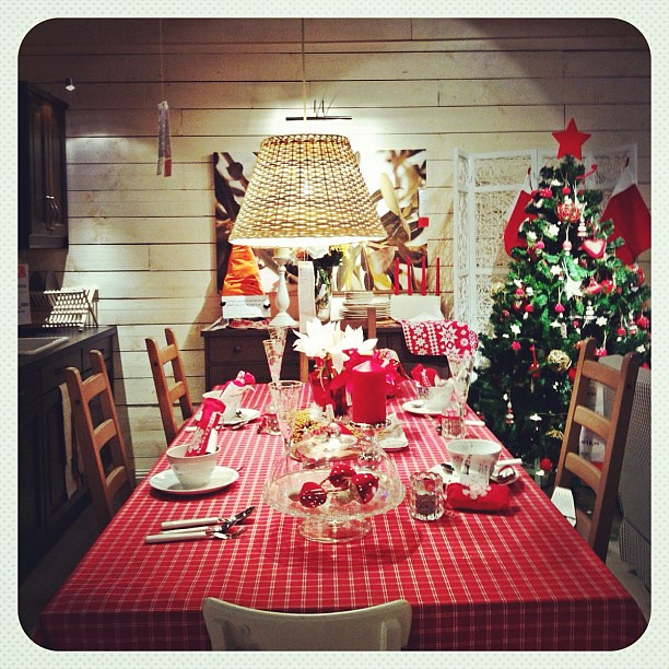 Ready for christmas dinner? Christmas display at IKEA #kuw