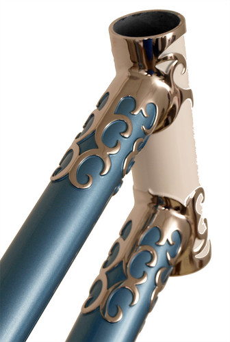 <p>Mixte Head Lugs built with Waterford Nuevo-Coco Custom Lugs, made of stainless steel with polished lugs and stays,  English Light Blue Met 61549</p>