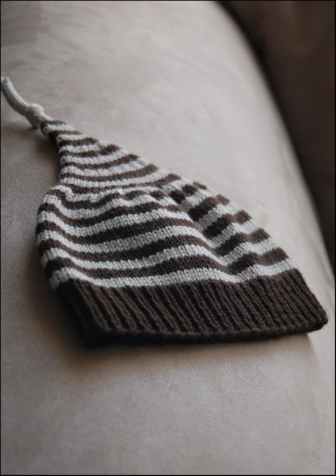 This little hat was knit from two stray balls of Debbie Bliss Baby  Cashmerino b7261b3db93
