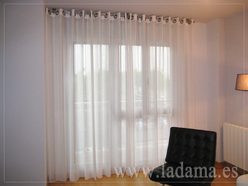 Fotograf as de cortinas modernas la dama decoraci n for Fotos cortinas salon