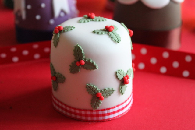 Mini iced fruit cake flickr photo sharing for Iced christmas cakes