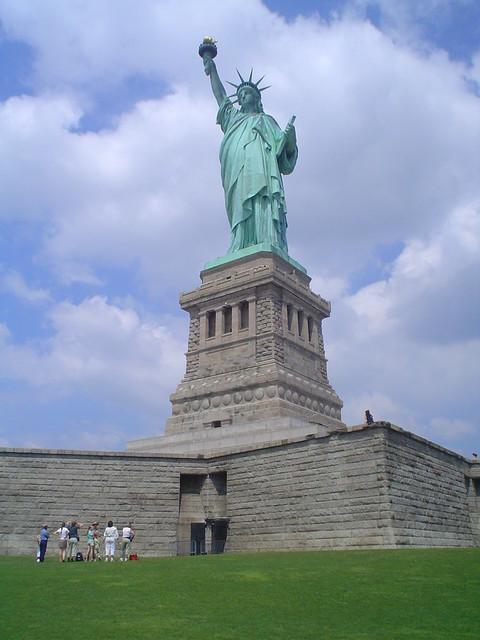 Foto vista de la Estatua de la Libertad en Liberty Island, Nueva York EE.UU.
