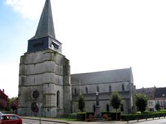 Aubenton - église et monument-aux-morts