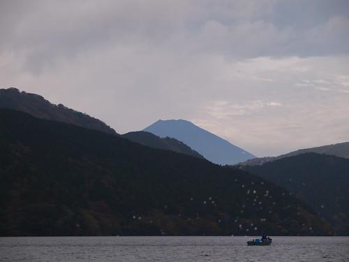 芦ノ湖 モーターボートから富士山を望む