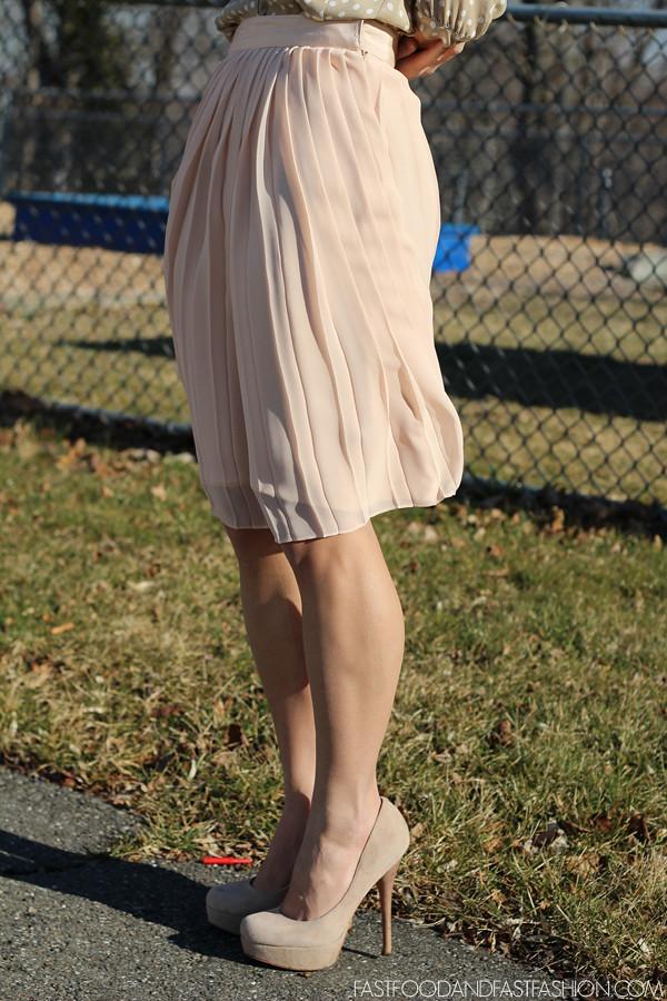 club monaco cm pale pink pleated skirt