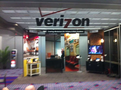 "Verizon's ""Borderless Life"" at CES 2012 by zennie62"