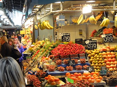 stall(0.0), floristry(0.0), city(0.0), public space(0.0), supermarket(1.0), whole food(1.0), market(1.0), greengrocer(1.0), produce(1.0), food(1.0), bazaar(1.0), marketplace(1.0), grocery store(1.0), local food(1.0), retail-store(1.0),