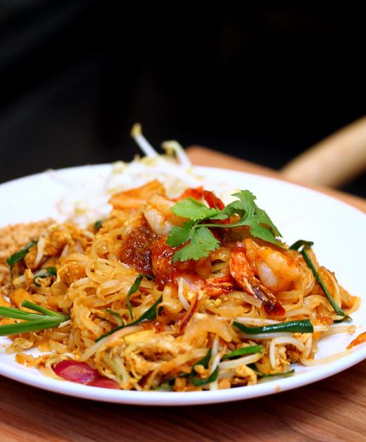 地道泰式:法式泰式虾炒面
