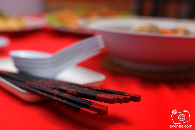 CNY-2012-chopstick