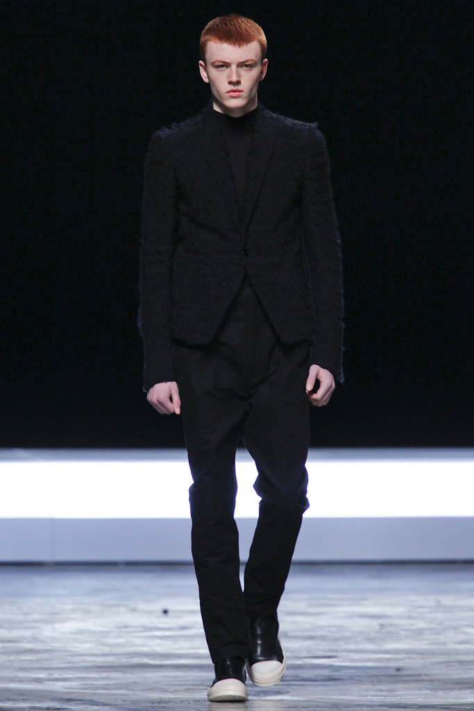 FW12 Paris Rick Owens020_Jake Shortall(VOGUE)