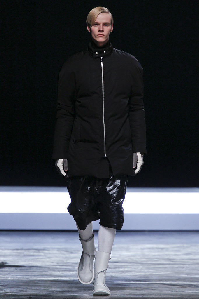 FW12 Paris Rick Owens035_Bart Grein(VOGUE)