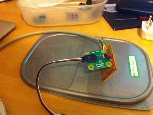 Phidget LED and light sensor for Morse (de)coder