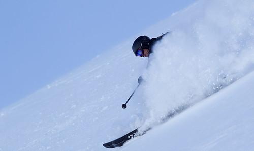 Recenze freeridových lyží z campů Robina Kale
