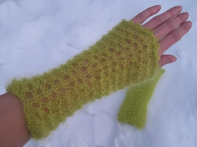 apple green fingerless gloves