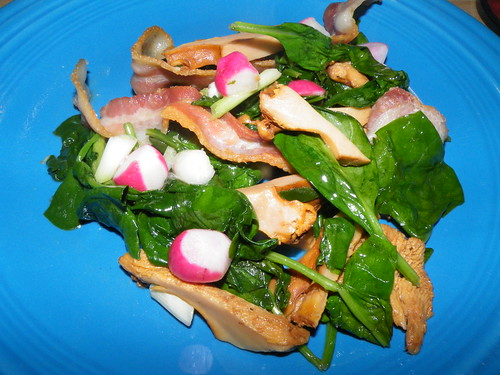 Chanterelle mushrooms with bacon and spinach