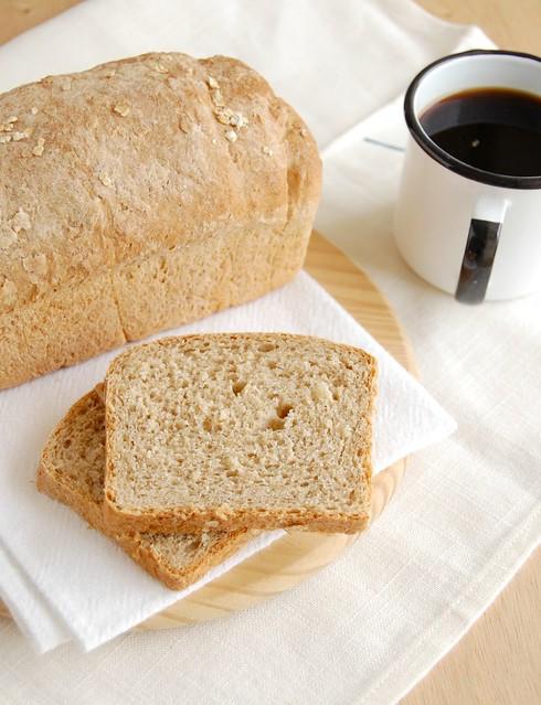 Oatmeal sandwich bread / Pão de aveia