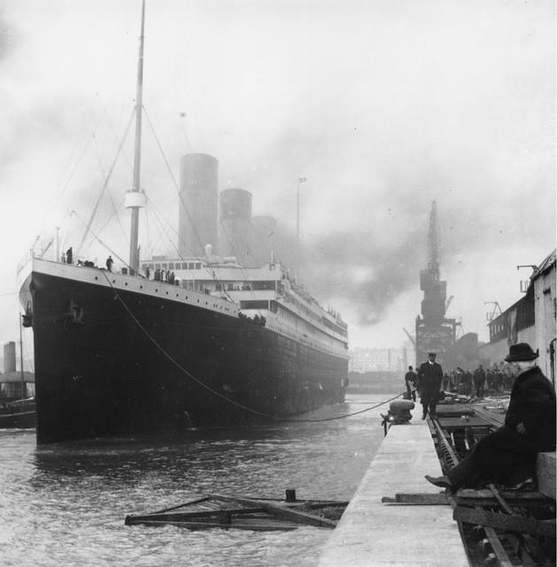 Titanic zarpando (1912)