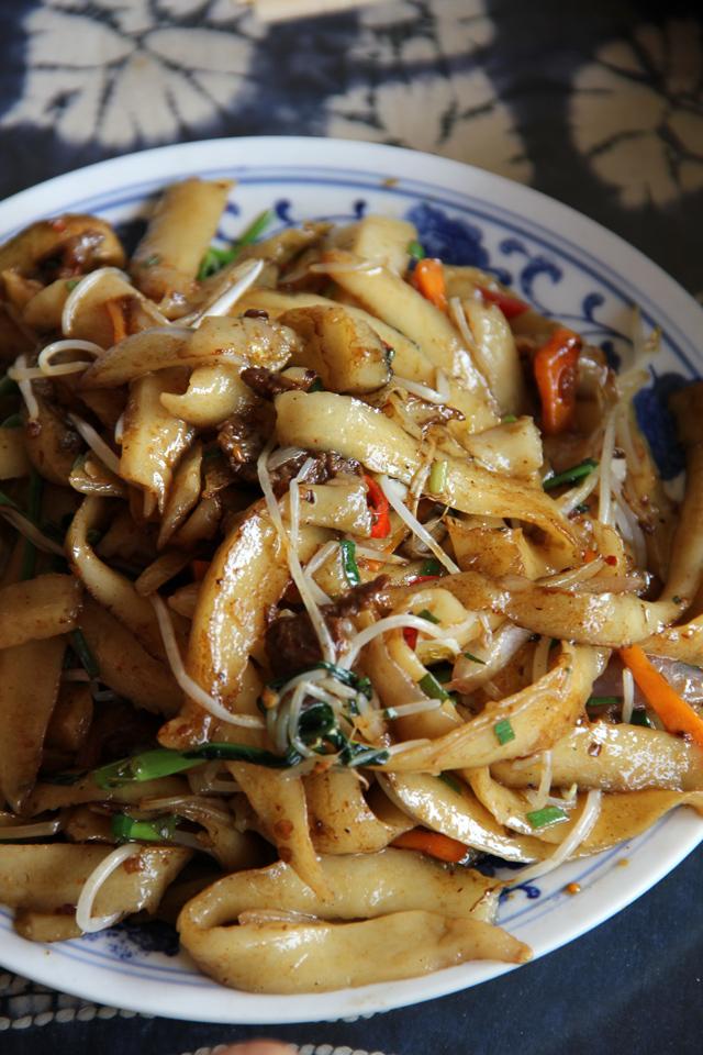 刀削麵 - Popular Chinese Dishes
