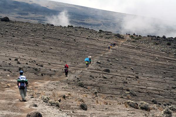 6435445667 6b955935a0 z Viaje de exploración a Tanzania :: Días previos a la cumbre del Kilimanjaro