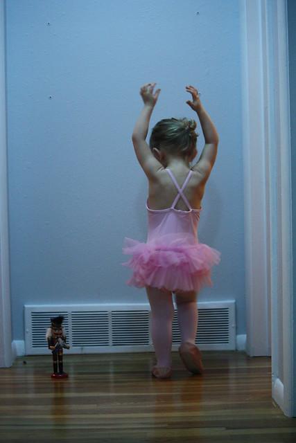 hands upballerina cordelia