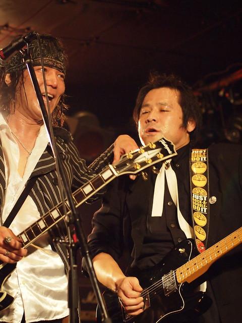 The StarrBootleggerz live at ShowBoat, Tokyo, 03 Dec 2011. 484