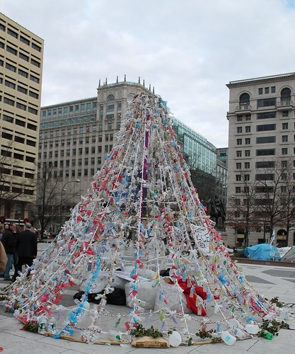 01a.PeaceTree.Occupy.FreedomPlaza.WDC.5December2011